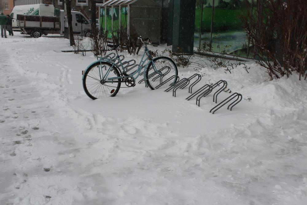 immocom-eingeschneit-fahrrad