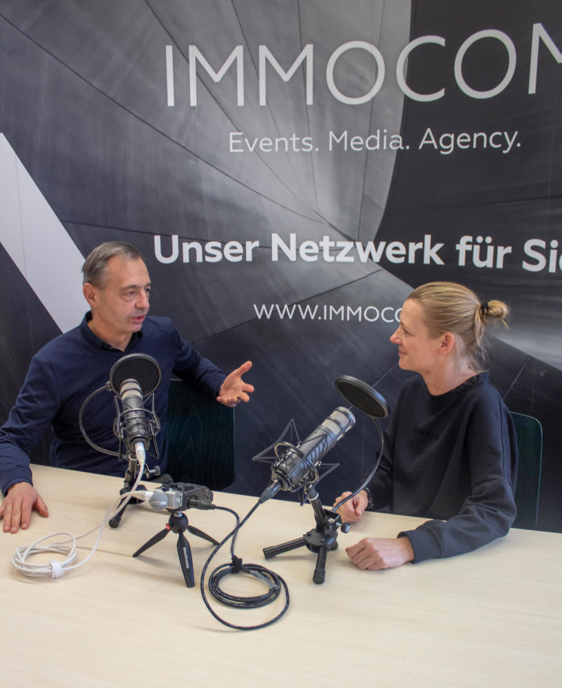 Michael Rücker und Ivette Wagner Podcast-Hosts