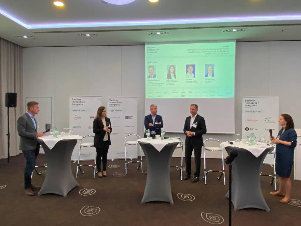 Das Panel zum Hotelmarkt beim Berliner Immobilienkongress 2021.